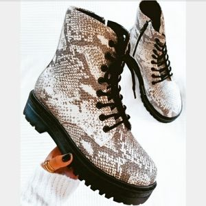 Shoes - 🆕️The Seattle// snake print combat boot